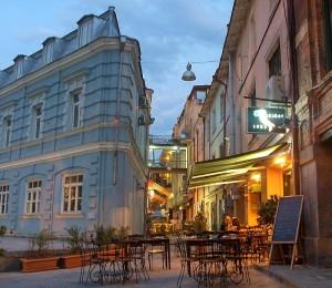 Matriarchy: Tbilisi sidewalk cafes
