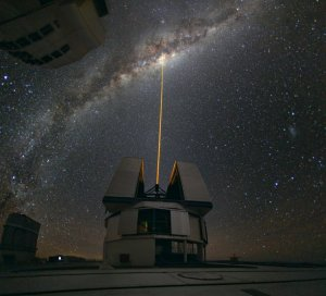 Beauty of Science: Observatory laser shoots toward the Milky Way center.