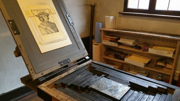 Old-style printing press